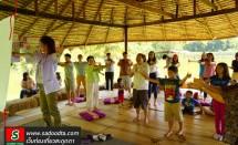 วิทยากรสอนการออกกำลังกาย บูธ body care ในงาน organic boutique festival วันที่ 27 มกราคม 2556 ที่ไร่ปลูกรัก